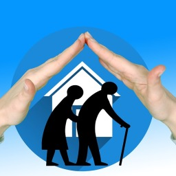 How a Family Member Can Help a Senior to Downsize